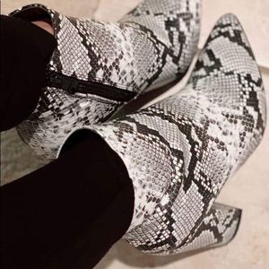 Shoes - Animal prints snake ankle chunky heel bootie shoes